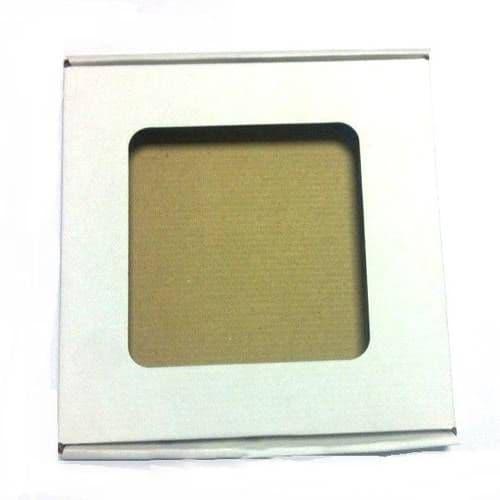 Коробка белая с квадратным отверстием для тарелки
