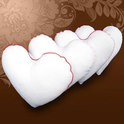 Подушка сердце Муза, цветной кант