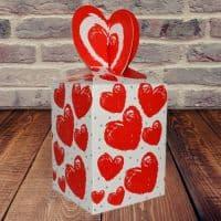 Коробка подарочная большие Сердечки