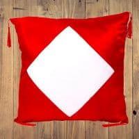 Подушка красная АТЛАС с белым полем и кисточками