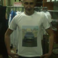 Фото довольных клиентов в футболках_1