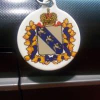 Круглый брелок с гербом