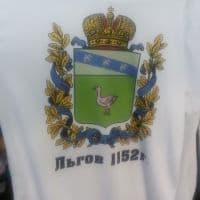 Футболка с изображением герба